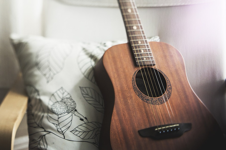 Comment bien choisir une guitare ?